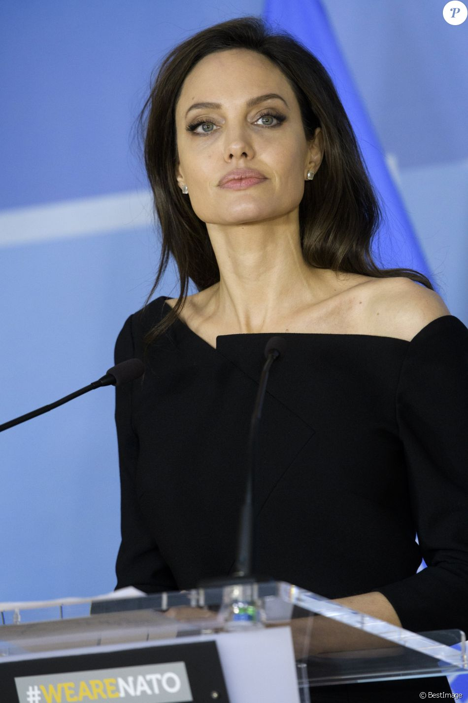 Angelina Jolie en visite à l'OTAN pour défendre la cause des femmes dans les conflits armés à Bruxelles le 31 janvier 2018.
