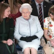 Elizabeth II : Reine du style au côté d'Anna Wintour pour sa 1re Fashion Week