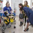La duchesse Catherine de Cambridge, enceinte, visite l'hôpital Guy's and Saint Thomas' à Londres le 27 février 2018.