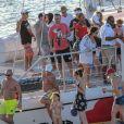 Exclusif - Justin Bieber et Selena Gomez à Montego Bay en Jamaïque, profitent d'une belle journée ensoleillée pour aller faire une balade en voilier. La famille et les amis proches se sont retrouvés pour fêter le mariage du père de Justin, Jeremy Bieber, et de sa femme Chelsey Rebelo. Le 20 février 2018
