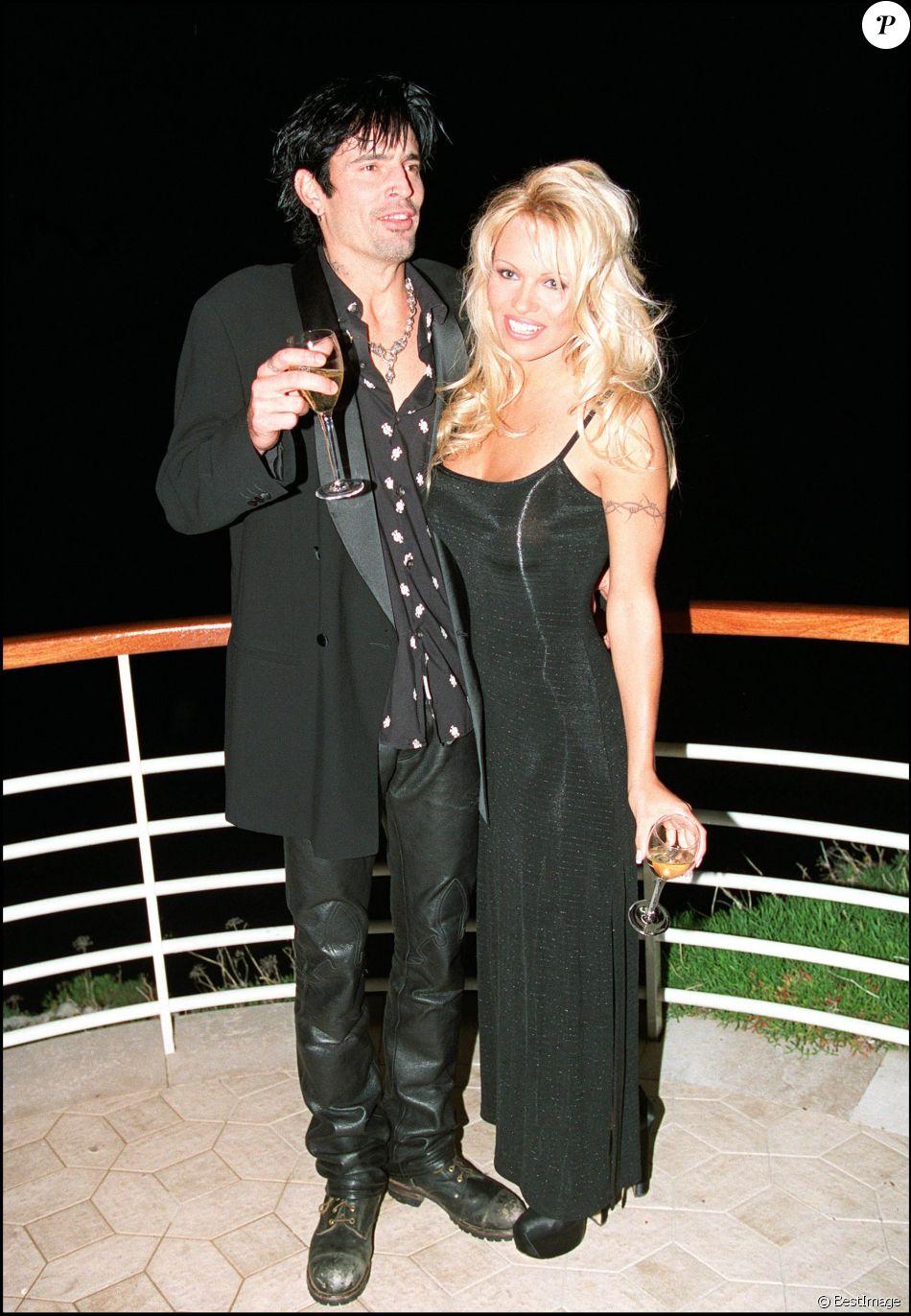 Pamela Anderson et Tommy Lee à Cannes en 1995