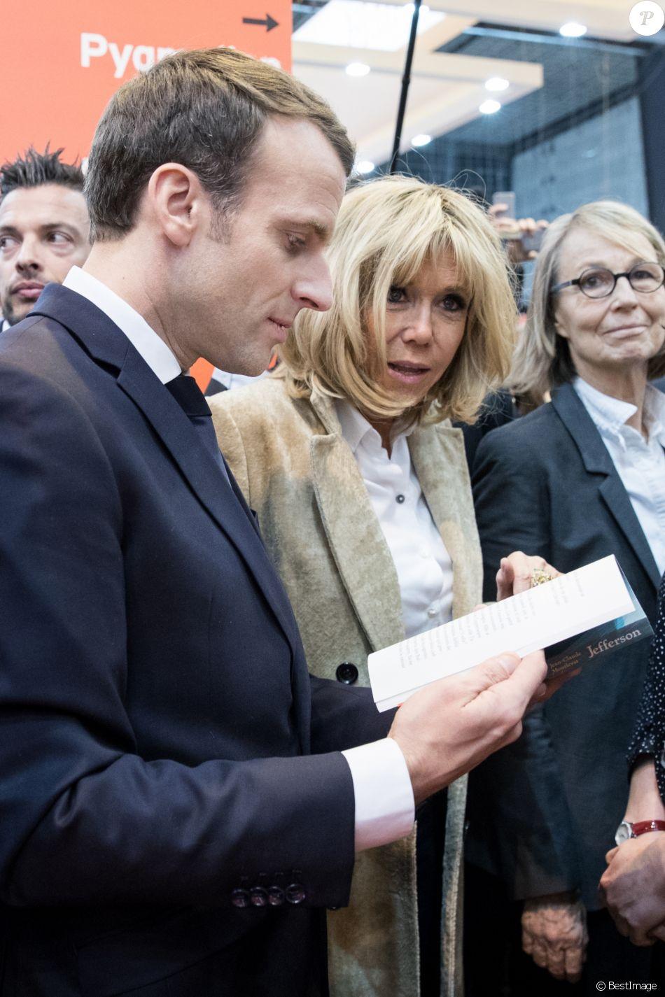 64e437c294d31d Le président de la République française Emmanuel Macron, sa femme Brigitte  Macron et la ministre