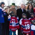 """Le roi Philippe et la reine Mathilde de Belgique en visite d'état au Canada, visitent l'école primaire """"Le Carignan"""" à Montréal."""