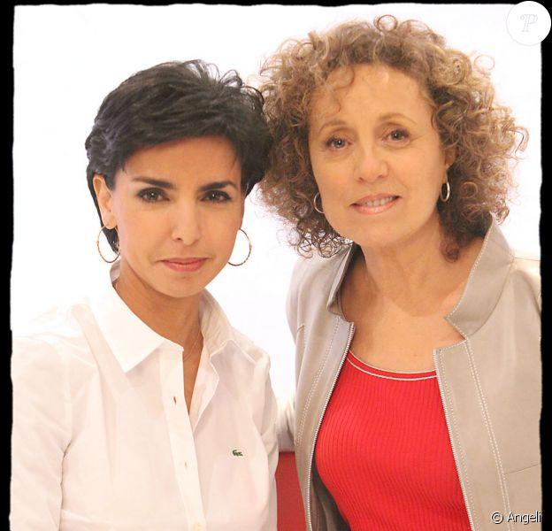 """Rachida Dati et Mireille Dumas pendant l'enregistrement de l'émission sur France 3 """"Vie privée, vie publique"""", diffusée le 30 mars."""