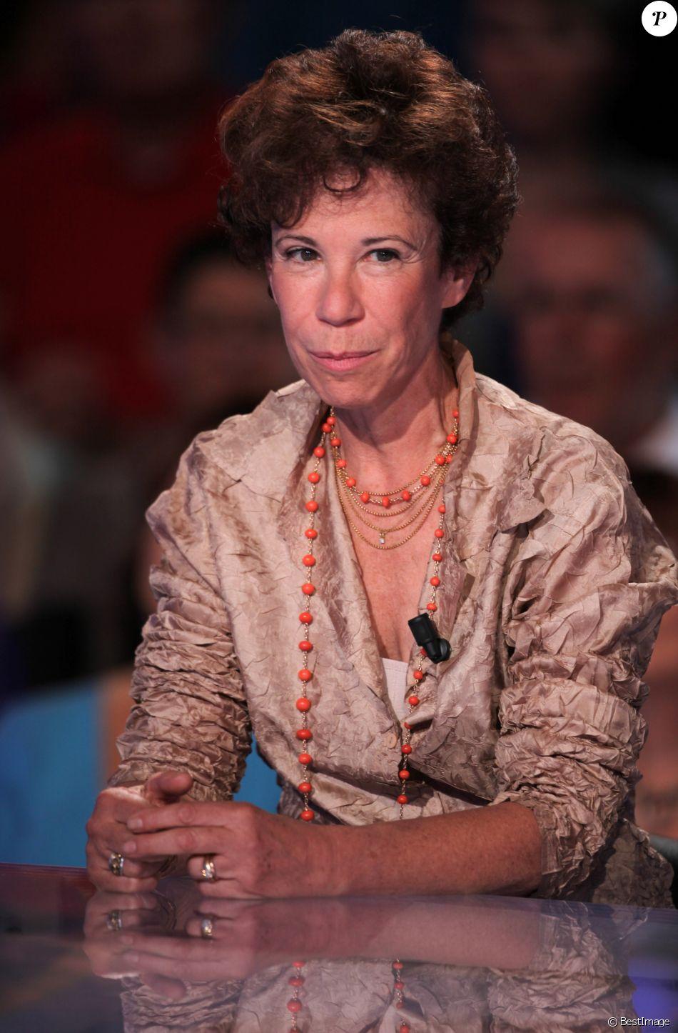 """Exclusif - Véronique Colucci - Emission """"Vendredi sur un plateau"""" diffusée sur France 3 le 9 septembre 2011."""