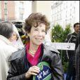 Véronique Colucci - Inauguration de la place Coluche dans le 14e arrondissement à Paris, le 29 octobre 2006.