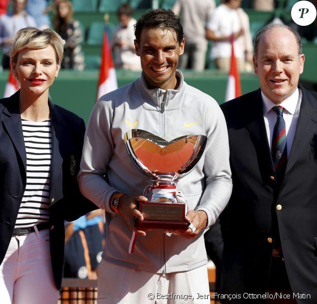 La princesse Charlène, Rafael Nadal, le prince Albert II de Monaco - Rafael Nadal remporte pour la 11e fois le Masters 1000 de Monte-Carlo à Roquebrune Cap Martin, le 22 avril 2018. © Jean-François Ottonello/Nice Matin/Bestimage