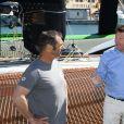 """Exclusif - Christian Estrosi, au centre, le maire de Nice, est passé sur le bateau de Thomas Coville, """"Sodebo"""" dans le cadre de la Nice UltiMed à Nice le 30 avril 2018. Pour la 1ère fois dans la Baie des Anges, une course va confronter l'élite des skippers de la Course au Large, sur les plus grands bateaux de course à la voile au monde : les Ultimes. © Bruno Bebert / Bestimage"""