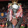 Alex Ferguson - Manchester United remporte pour la 11e fois a coupe Premiership, en 2009