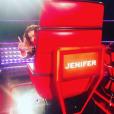"""Jenifer retrouve son siège de jurée pour la cinquième saison de """"The Voice Kids""""."""
