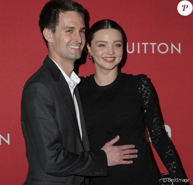 Miranda Kerr enceinte et son mari Evan Spiegel à la soirée The Broad and Louis Vuitton 'Jasper Johns: Something Resembling Truth' à Los Angeles, le 8 février 2018