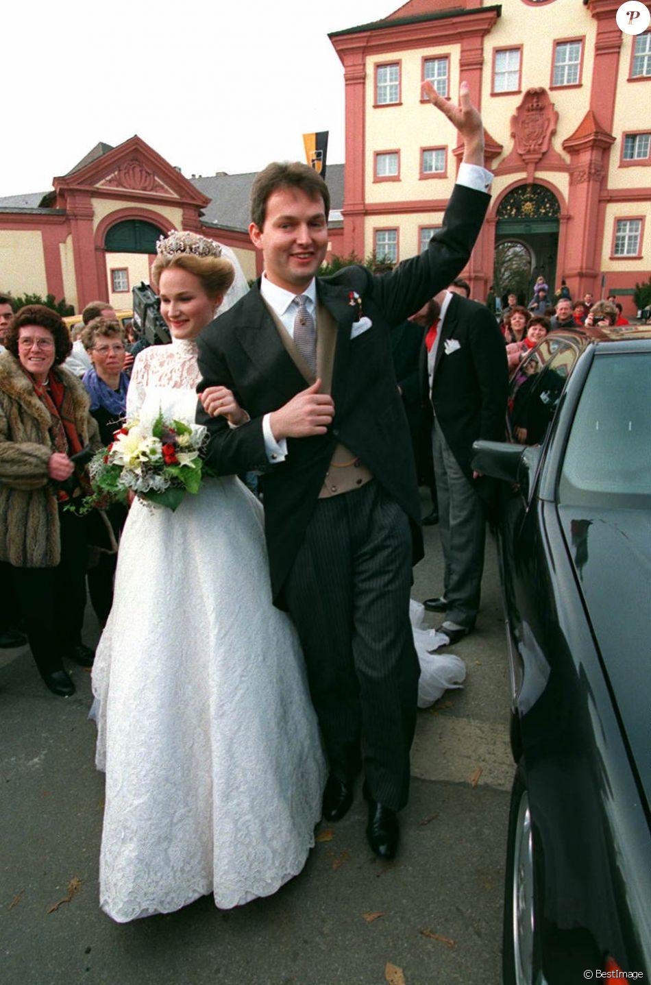 Le duc Frédéric de Wurtemberg lors de son mariage avec la princesse Marie de Wied en novembre 1993 à Altshausen. Le duc héritier a trouvé la mort à 56 ans le 9 mai 2018 dans un accident de voiture.