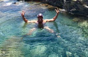 Yannick Noah, ses vacances en famille à Hawaï : Tendre papi à la plage