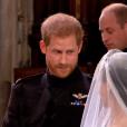 Le prince Harry était ému de voir Meghan Markle dans sa robe de mariée signée Clare Waight Keller pour Givenchy le 19 mai 2018 à Windsor lors de leur mariage.