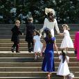 L'arrivée des pagesboys et flowergirls, notamment le prince George et la princesse Charlotte de Cambridge avec leur mère la duchesse Catherine, à la chapelle St George à Windsor le 19 mai 2018 pour le mariage du prince Harry et de Meghan Markle. Les petits pages portaient une réplique de l'uniforme des Blues and Royals porté par Harry et William.