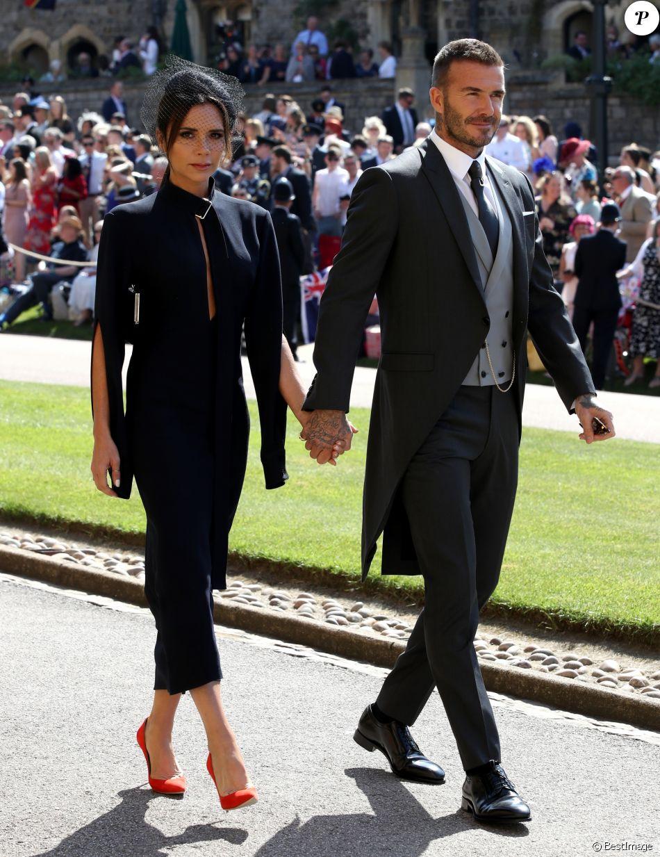 David Beckham et sa femme Victoria , Les invités arrivent à la chapelle St.  George