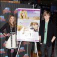"""""""Emily Osment et Lucas Till au Planet Hollywood de New York lors de la promotion de la nouvelle décoration du restaurant et dans le cadre de la sortie du film Hannah Montana - 7 avril 2009"""""""