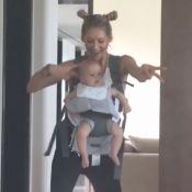 Anna Kournikova : Rare vidéo avec un de ses bébés pour soutenir Enrique Iglesias