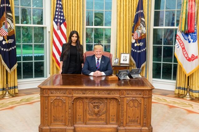 Kim Kardashian et Donald Trump dans le Bureau ovale de la Maison Blanche le 30 mai 2018