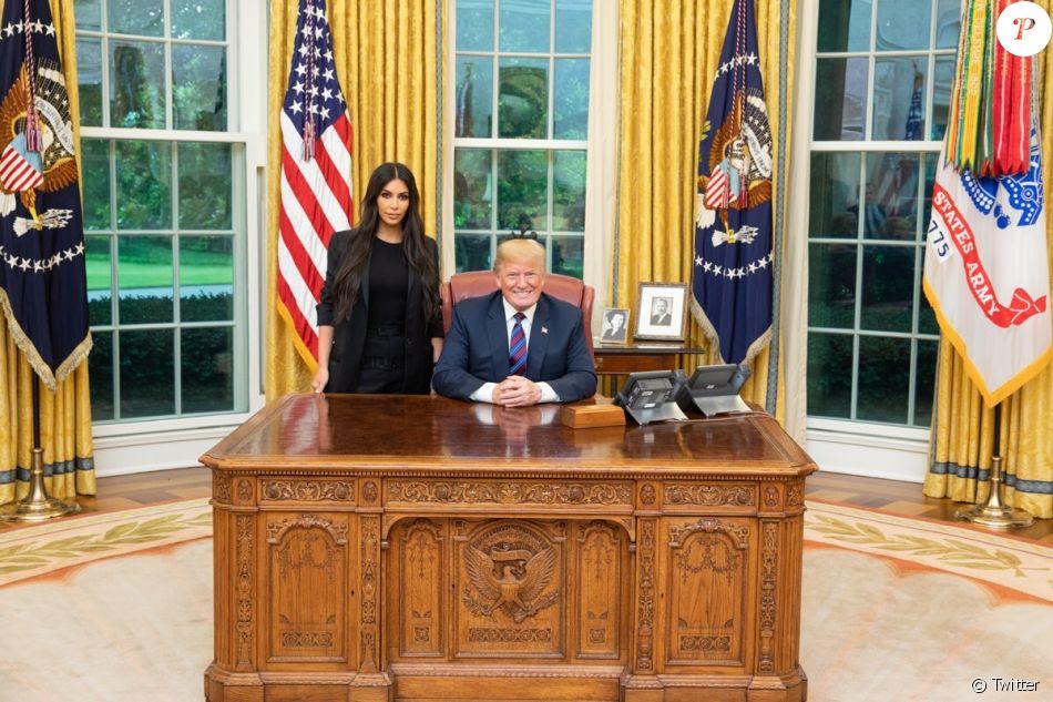 Kim kardashian et donald trump dans le bureau ovale de la maison
