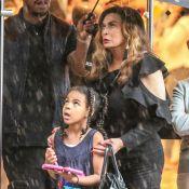Beyoncé : Sa fille Blue Ivy dévalise les boutiques à Paris même sous la pluie