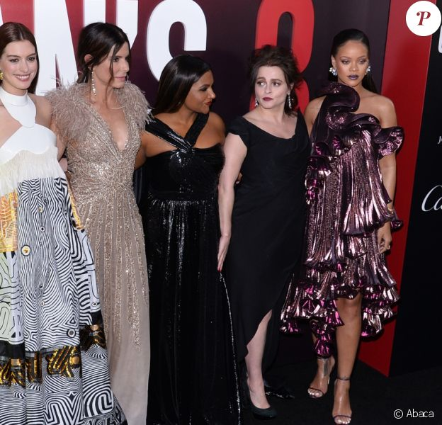 Cate Blanchett, Awkwafina, Sarah Paulson, Anne Hathaway, Sandra Bullock, Mindy Kaling, Helena Bonham Carter et Rihanna lors de la première d'Ocean's 8 au Alice Tully Hall, Lincoln Center, New York City, le 5 juin 2018.