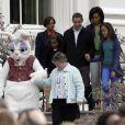 Barack et Michelle Obama, leurs filles Malia et Sasha ainsi que Marian RObinson, la mère de Michelle lors du lundi de Pâques à la Maison Blanche le 13 avril 2009