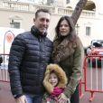 Daniel Ducruet, sa fille Linoué et sa compagne Kelly - Départ du 28e Rallye Aïcha des Gazelles depuis la Place du Palais de Monaco à Monaco le 17 mars 2018. © Claudia Albuquerque/Bestimage