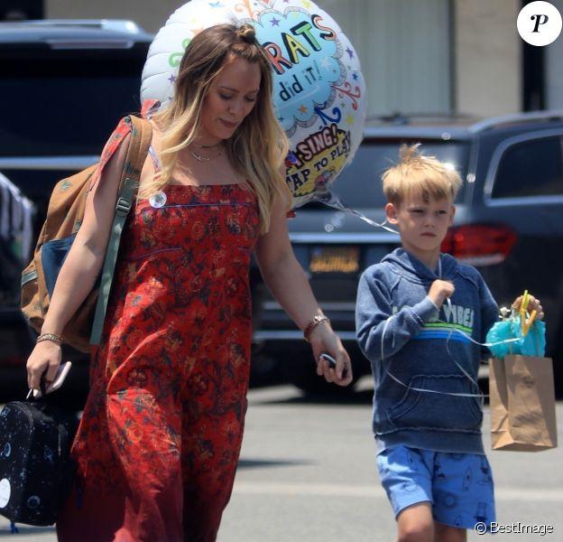 Exclusif - Hilary Duff et son fils Luca à Los Angeles. Le 7 juin 2018.