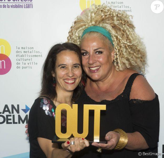 Exclusif - Muriel Douru et Marianne James pour l'OUT d'or du dessin engagé lors de la 2ème cérémonie de remise des OUT d'or, prix de la visibilité LGBTI (lesbiennes, gays, bi·e·s, trans et intersexes), organisé par l'association des journalistes LGBT, AJL et la Maison des Métallos (établissement culturel de la ville de Paris) à la Maison des Métallos, à Paris, France, le 19 juin 2018.