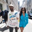 C'est le grand retour de Kim Kardashian à Paris pour son ami, le créateur Virgil Abloh. La star, accompagnée de son mari Kanye West, s'est rendue au défilé de mode homme printemps-été 2019 Louis Vuitton à Paris, le 21 juin 2018.