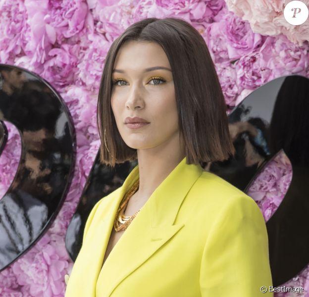 Bella Hadid - Photocall du défilé de mode Dior Homme collection Printemps-Eté 2019 à la Garde Républicaine lors de la fashion week à Paris, le 23 juin 2018. © Olivier Borde/Bestimage