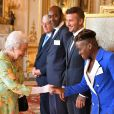 La reine Elizabeth II lors des Queen's Young Leaders Awards au palais de Buckingham à Londres le 26 juin 2018.