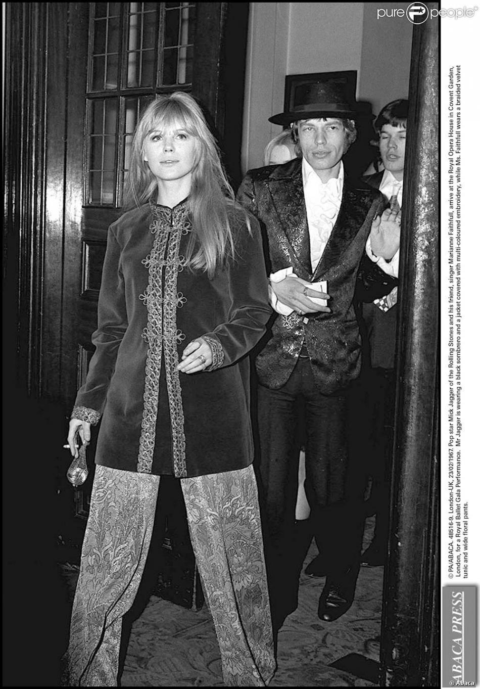 Marianne Faithfull et Mick Jagger dans les années 1960 - Purepeople 7a2a99cf0b42