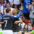 Antoine Griezmann et Kylian Mbappé - Match de football entre la France et l'Argentine lors des 8ème de finale de la Coupe du monde à Kazan en Russie le 30 juin 2018 © Cyril Moreau/Bestimage