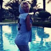Ophélie Winter : Sexy en T-shirt mouillé, elle affiche sa sublime silhouette