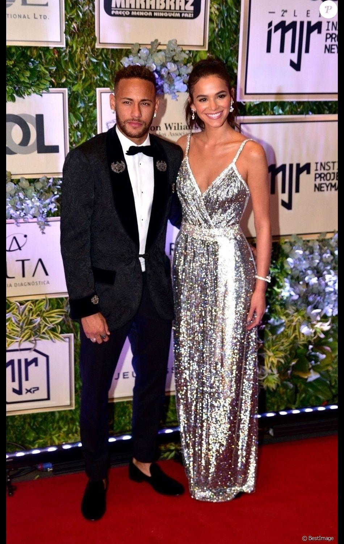 Neymar Jr. et sa fiancée Bruna Marquezine à la gala de charité au Brésil