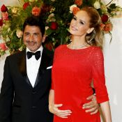 Adriana Karembeu enceinte et radieuse au Bal de la Croix-Rouge de Monaco