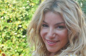 Lola Marois : Sexy mais maladroite, elle trébuche en pleine danse