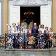 Le prince Sverre Magnus, la princesse Ingrid Alexandra, la princesse Mette Marit, le prince Haakon, Marius Borg Hoiby , la princesse Astrid, la reine Sonja, le roi Harald, la princesse Martha Louise, Emma Tallulah Behn, Maud Angelica Behn, Leah Isadora Behn - La famille royale de Norvège lors de la garden party du jubilé des 25 ans de règne du roi Harald de Norvège à Trondheim le 23 juin 2016.23/06/2016 - Tondheim