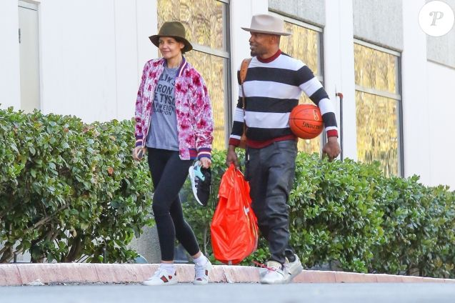 Exclusif - Katie Holmes et son compagnon Jamie Foxx sont allés jouer au basket en amoureux le jour de la St Valentin à Los Angeles, le 14 février 2018