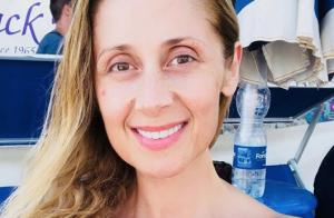 Lara Fabian : Canon au naturel en vacances en Sicile