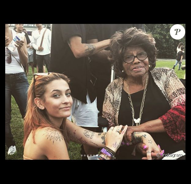 Paris Jackson et sa grand-mère Katherine au concert de son groupe The Soundflowers le 12 août 2018.