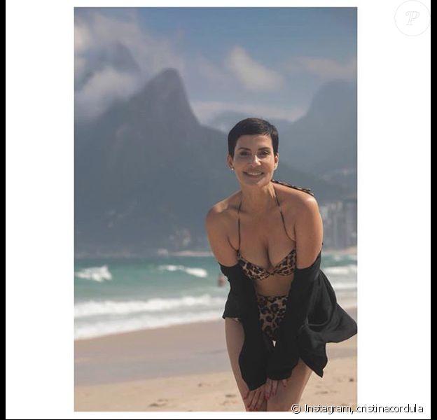 Cristina Cordula en bikini léopard à Rio, le 15 août 2018.