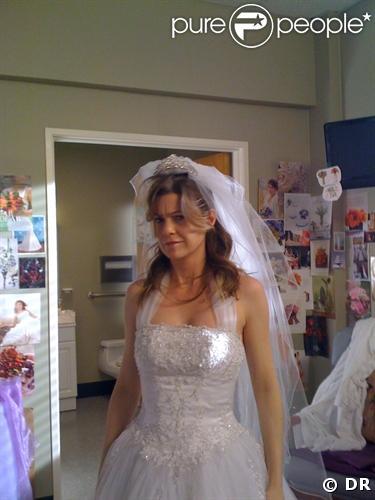 Meredith Grey (Ellen Pompeo) va-t-elle choisir cette robe ?