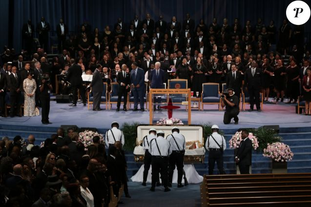 Police stand at the casket of Aretha Franklin during the funeral for the late Aretha Franklin at Greater Grace Temple in Detroit on Friday, Aug. 31, 2018. (Ryan Garza/Detroit Free Press/TNS)00/00/0000 -