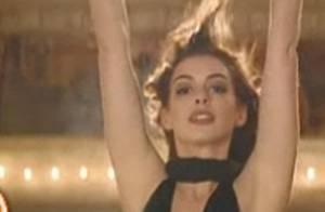 Quand Anne Hathaway enflamme un club et... monte sur la scène ! Regardez !
