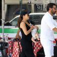 Exclusif - Eva Longoria et son mari Jose Baston ont été aperçus avec leur fils Santiago dans les rues de Beverly Hills, le 25 août 2018.