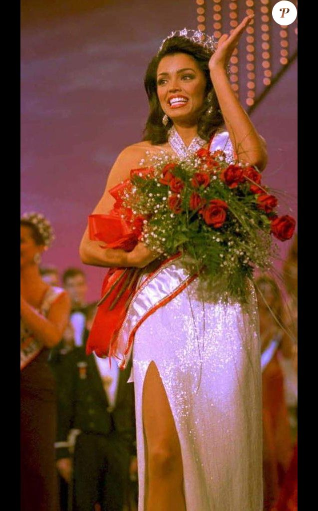 Chelsi Smith, Miss USA et Miss Univers 1995.