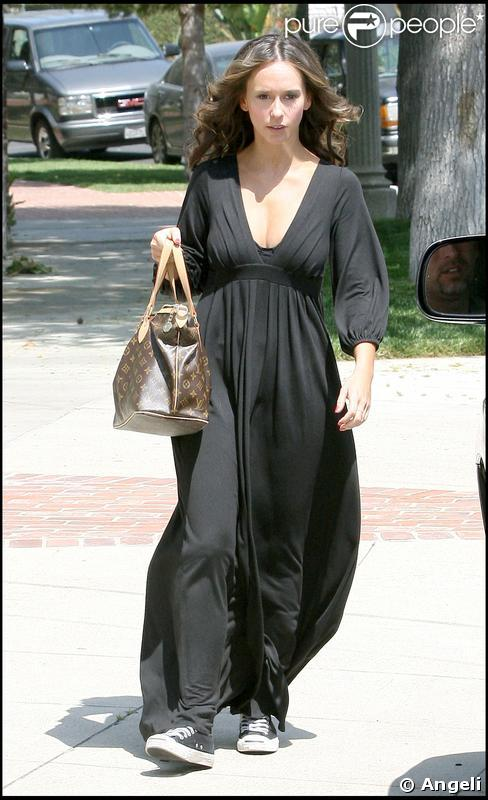Jennifer Love Hewitt à Toluca Lake en Californie, le 30 avril 2009
